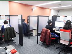 横浜校の教室内フリースペースの画像