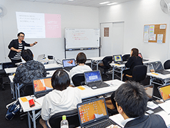 横浜校でスクールセミナーを開催したときの様子の画像
